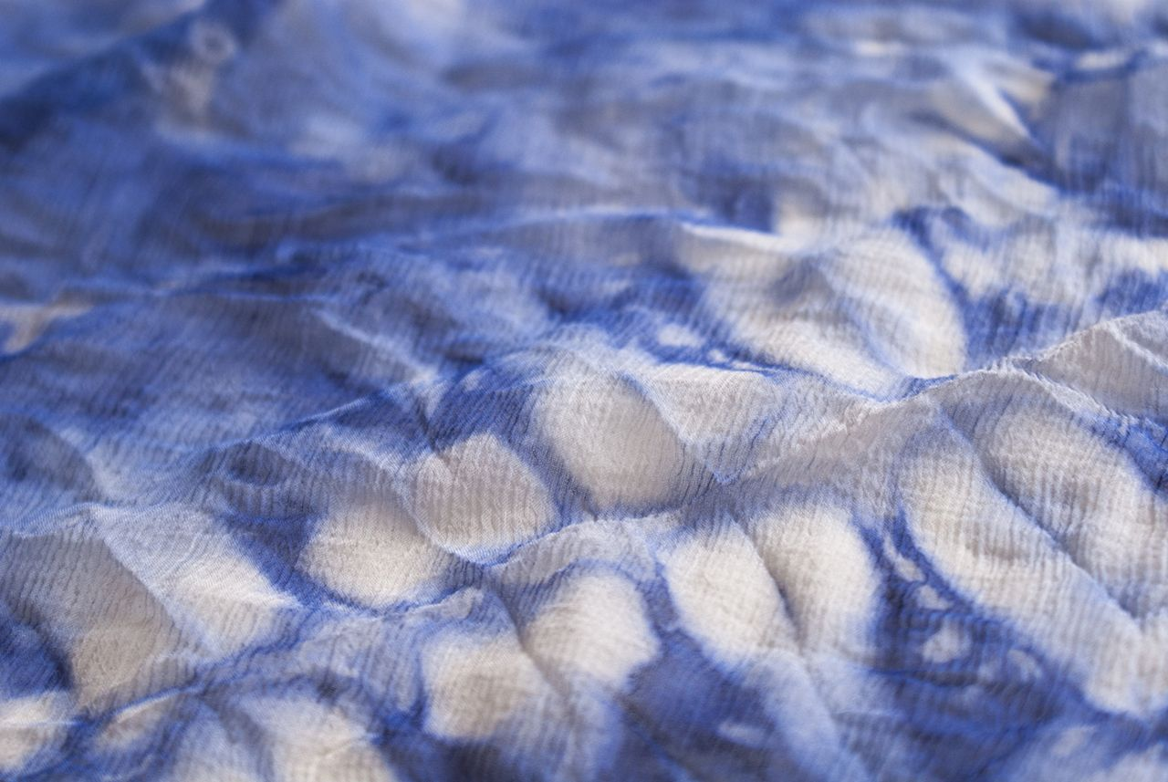 living colour textile dyed with bacteria and cymatic frequencies